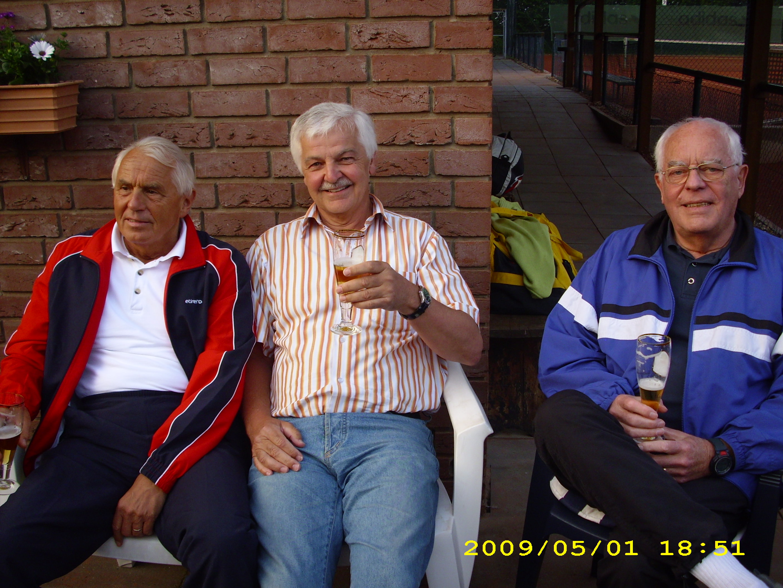 anspielen-tennis-01-05-09-036